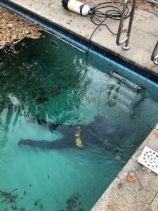 Zwembad lekdetectie onderwater