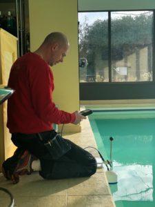 Zwembad lekdetectie, lek-analyse.